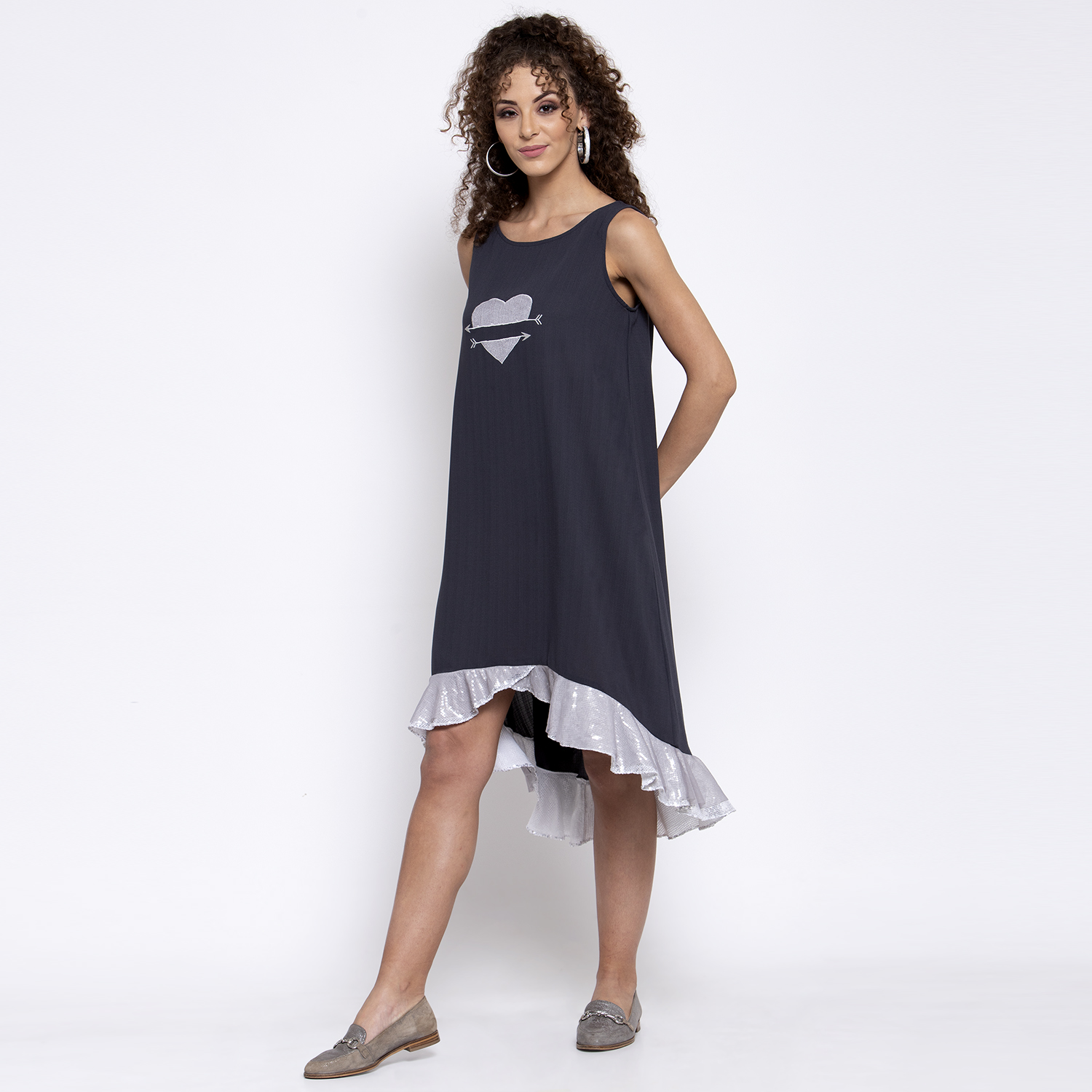 Grey dress with sequins frill and heart embroidery